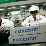 Mange ansatte har 36 overarbejdstimer hver måned, og forholdene på de kinesiske fabrikker er fortsat langtfra i orden, siger to organisationer. Foto: Bobby Yip, Reuters/Scanpix