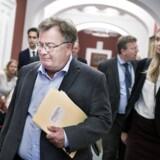 Forsvarsminister Claus Hjort Frederiksen (V) er kaldt i samråd om overgreb mod tilbageholdte på Al Asad basen i Irak.