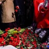 Tyrkisk politi har pågrebet fem personer med formodet relation til Islamisk Stat i byen Izmir. De mistænkes i forbindelse med angreb i Istanbul. Scanpix/Yasin Akgul