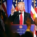 Donald Trump overlader sin virksomhed til sine to sønner, Donald Trump Jr. og Erik Trump.