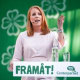 »Det er nazister, der råber nu. Vi kan vel lytte lidt til dem,« sagde Annie Lööf og holdt inde med sin tale, hvorefter hun kort efter fortsatte og sagde, at »så, nu har de fået lov at tale« til stor jubel blandt publikum.