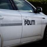 En person er fundet død i et brændt hus i Allingåbro, som ligger øst for Randers.