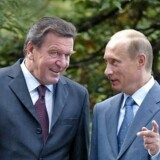 Tysklands tidligere kansler Gerhard Schröder er kendt for at pleje tætte kontakter til Vladimir Putin. Fredag tiltrådte han som bestyrelsesformand i Ruslands statsligt ejede energiselskab Rosneft.
