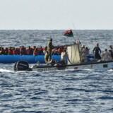 Arkivfoto. Menneskesmuglere fra Libyen har de seneste dage sendt tusindvis af flygtninge ud på Middelhavet i både, der ikke er sødygtige.