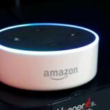 Den lille, trådløse højttaler - Echo Dot - har Amazons talegenkendelsessoftware Alexa indbygget, og den har været ved at skræmme livet af flere brugere ved pludselig at grine ondt. Arkivfoto: Steve Marcus, Reuters/Scanpix