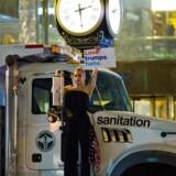 Lagy Gaga i trodsig protest mod valget af Donald Trump i nat i New York.