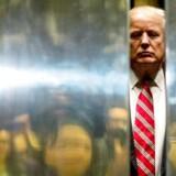 Donald Trump i Trump Tower. I 2014 var han ualmindelig kritisk og aggressiv over for Rusland. Nu er han positiv og imødekommende. Hvad skete der i mellemtiden?