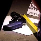Tre mænd og en kvinde nægtede sig skyldige i besiddelse af store mængder narko, da de fredag blev fremstillet i grundlovsforhør. En af mændene erkendte dog, at han havde været i besiddelse af en skarpladt pistol. Reuters/Romeo Ranoco/arkiv