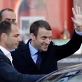 Frankrigs ny præsident Emmanuel Macron roser Merkels flygtningepolitik og vil straffe Polens / AFP PHOTO / Patrick KOVARIK