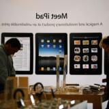 Salget af Apples iPhone og iPad kræves nu forbudt. Foto: Jewel Samad, AFP/Scanpix
