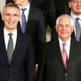 Generalsekretær Jens Stoltenberg og USAs udenrigsminister Rex Tillerson til NATOs udenrigsministermøde.
