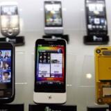 Taiwanesiske HTC har været med til at gøre brugen af avancerede mobiltelefoner populær. HTC fremstiller både telefoner med Windows og Googles Android som styresystem. Foto: Pichi Chuang, Reuters/Scanpix