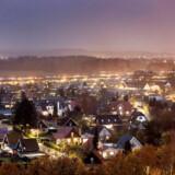 Nye tal fra Finans Danmark viser, at priserne på huse på landsplan er faldet 0,3 procent i årets tredje kvartal sammenlignet med andet kvartal.
