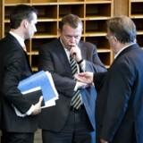 Internt i Venstre er der stor debat om, hvorvidt omskæring af børn skal gøres ulovligt. Her ses Kristian Jensen, Lars Løkke Rasmussen og Claus Hjort Frederiksen.