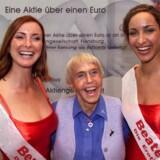 Erotikkæden Beate Uhse er blevet knækket af internettet. Stifteren Beate Uhse døde i 2001.