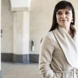 »Det er naturligt, at man ser på mulighederne for i højere grad at kunne vurdere den enkelte medarbejder ved at give et ekstra skulderklap for de gode præstationer også på de statslige arbejdspladser,« siger Sophie Løhde (V).