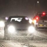 Glatte veje har natten til torsdag ført til flere uheld rundt omkring i landet.