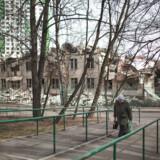 Nedrivningen af de gamle sovjet-boligblokke er i fuld gang.