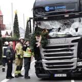 12 personer blev dræbt og 48 såret, da lastbilen mandag aften 19. december med omkring 60 km/t blev kørt direkte op over fortovet og ind i julemarkedet.