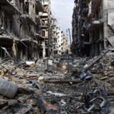 Amerikanske efterretning peger på, at Syrien er i gang med at forberede et nyt angreb med kemiske våben. Det advarer Donald Trumps pressemand, Sean Spicer, dog Syriens præsident, Bashar al-Assad, mod på det kraftigste. Billedet her er taget i slutningen af 2016 og stammer fra det nordlige Aleppo. AFP PHOTO / GEORGE OURFALIAN