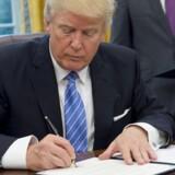Ifølge amerikansk medie skriver præsident Donald Trump under på et nyt indrejseforbud mandag.