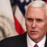 USA's vicepræsident diskuterede sikkerhedsspørgsmål på privat mail og blev udsat for hackerangreb.