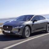 Mens hverken Audi, BMW eller Mercedes-Benz endnu har vist elbiler, som kan konkurrere med Teslas modeller, så står Jaguar nu klar med sin første, den mellemstore SUV I-Pace