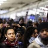 Tirsdag indledte de franske jernbanearbejdere en omfattende strejke i protest mod præsident Emmanuel Macrons planer om at reformere togdriften. EPA/ETIENNE LAURENT