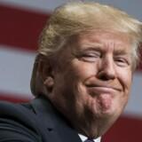 Præsident Donald Trump nævnte ikke den russiske indblanding i det amerikanske præsidentvalg sidste år, da han holdt tale om sin nye sikkehedsstrategi mandag aften dansk tid. EPA/JIM LO SCALZO