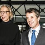 Arkivfoto: Kronprins Frederik (th) ankommer til Nyhedskonferencen News Xchange 2016 i DRs Koncerthus d. 30. november 2016 og bliver her modtaget af DR's generaldirektør Maria Rørbye Rønn (tv). (Foto: Ólafur Steinar Gestsson/Scanpix 2016)