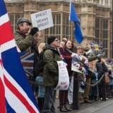 Storbritannien må ikke lave selvstændige frihandelsaftaler, mens de er medlem af EU. Det fastslår EU-kommisionen. EPA/HAYOUNG JEON