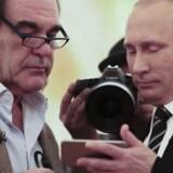Oliver Stone sammen med præsident Putin i tredje afsnit af interviewserien »Putin ifølge Oliver Stone,« som bliver sendt onsdag aften på DR2. Foto: Screendump fra TV.