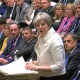 Den britiske premierminister, Theresa May, står skoleret i parlamentet, hvor hun bliver udspurgt om angrebet i Syrien. Scanpix/Pru/arkiv