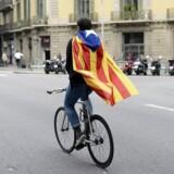 Gaderne ligger øde i store dele af Barcelona, da der i dag er indkaldt til generalstrejke, efter søndagens valg om Cataloniens selvstændighed.