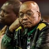 Arkivfoto: Sydafrikas forfatningsdomstol vil fredag afgøre, om parlamentet skal tvinges til at iværksætte en rigsretssag mod præsident Jacob Zuma for at have brugt statens penge til at renovere sit hjem for knap 125 millioner kroner.