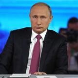 I Putins fire timer lange TV-show svarer han bl.a. på, hvor stor den største fisk, han har fanget, er, og om han kan lide at være bedstefar.