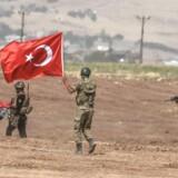 """De tyrkiske styrker har været på en """"observationsmission"""" i de oprørskontrollerede dele af Syrien efter aftale med Rusland, Iran og styret i Damaskus. Den mission ventes nu udvidet."""