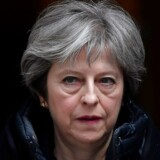 London. Tv-stationen Sky siger, at Storbritannien vil udvise russiske diplomater efter nervegiftangreb. FN's Sikkerhedsråd hasteindkaldes. Her ses den engelske præmierminister Theresa May.