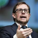 Tidligere på året aftalte regeringen med kommunerne, at de skulle arbejde på at sænke skatten med 250 mio. kr. - nu stiger skatten med 82 mio. kr., hvilket skuffer Simon Emil Ammitzbøll.