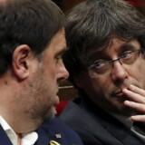 Senatet skal tage stilling til en anmodning fra den spanske regering om at aktivere paragraf 155 i den spanske forfatning. Den kan indebære, at Madrid overtager styringen af Catalonien og sætter den catalanske præsident, Carles Puigdemont, fra bestillingen.