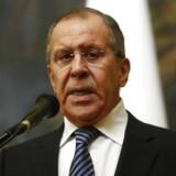 Den russiske udenrigsminister Sergei Lavrov meddelte i dag, at Rusland vil udvise samme antal diplomater fra USA og Europa, som disse lande har gjort.