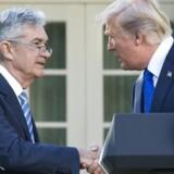 USA's præsident Donald Trumps nominerede som ny chef for den amerikanske centralbank, Jerome Powell, udtaler i en erklæring mandag, at bankens renter sandsynligvis kommer til at stige en smule.