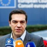 Arkivfoto. Den græske premierminister Alexis Tsipras skal fredag forsvare over for Tysklands forbundskansler Angela Merkel, hvorfor han vil give de fattigste græske pensionister en stor milliardbonus, når landet er i dyb gæld.