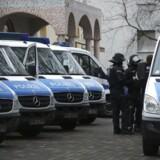 Tysk politi har anholdt adskillige personer under anti-terror aktioner i flere delstater.