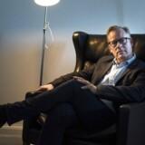 »Demokratiet eksisterer jo inden for nogle søjler. Der er nogle ting, der skal fungere, og hvis retssikkerheden i mødet med systemet smuldrer, så smuldrer tilliden,« siger Venstres social- og indenrigsordfører, Carl Holst, om sit partis forslag om at oprette forvaltningsdomstole på social- og beskæftigelsesområdet.