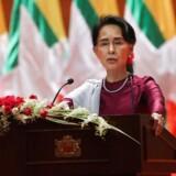 Flere end 400.000 undertrykte rohingya-muslimer er siden august flygtet fra militæret i Myanmar. Tirsdag adresserede landets leder, Aung San Suu Kyi, volden i en tale / AFP PHOTO / Ye Aung THU