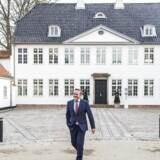 Regeringsforhandlingerne på Marienborg er gået ind i sin afgørende fase. Her forlader Liberal Alliances leder, Anders Samuelsen, statsministerens embedsbolig efter mødet mandag 21. november.