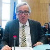 EU-Kommissionen søsatte onsdag sine længe ventede planer om et mere socialt Europa, som er en af kommissionsformand, Jean-Claude Junckers, topprioriteter, fordi han mener, at EU skal gøre mere for borgerne. Her ses han ved begyndelsen på onsdagens kommissærmøde i Bruxelles. EPA/STEPHANIE LECOCQ
