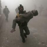 Luftangreb har dræbt 85 civile i den belejrede by Ghouta i Syrien siden december.