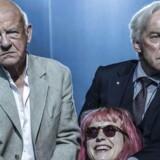 "Dramatisk benspænd: Henning Jensen, Amanda Collin og Søren Sætter-Lassen i ""Møller og Larsen"" ."